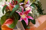 lilium-and-peach-rose-bouquet-00788